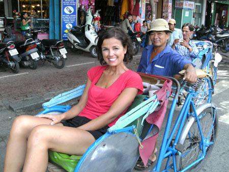 Sophie Dewaele voor Handicap International in Vietnam; }}